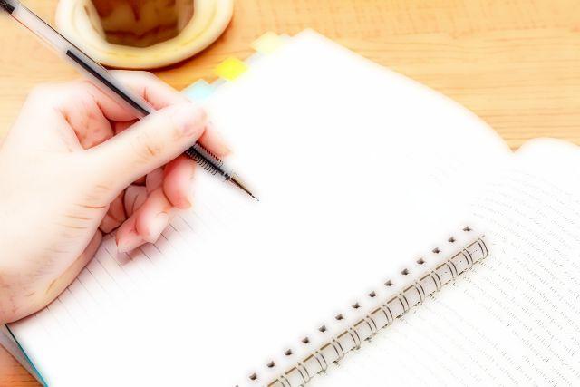 左手でもペンは握れる